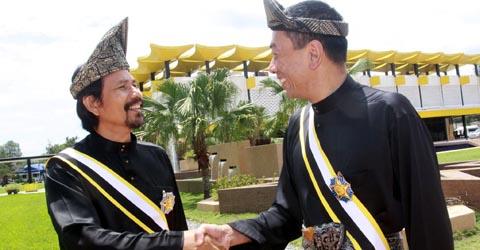 M Nasir dan Ramli MS kini membawa gelaran Datuk.jpg