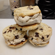 Ice Cream Sandwich (Contains tree nuts)