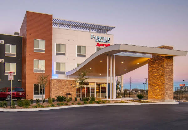 Fairfield Inn and Suites San Antonio Brooks City Base