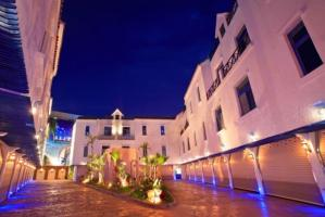 蔚藍海岸休閒汽車旅館