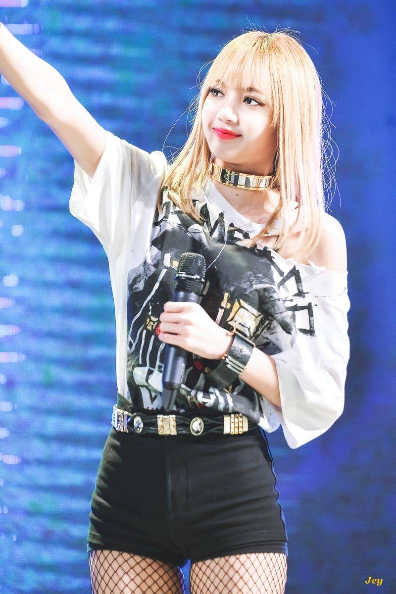 lisa blonde 2