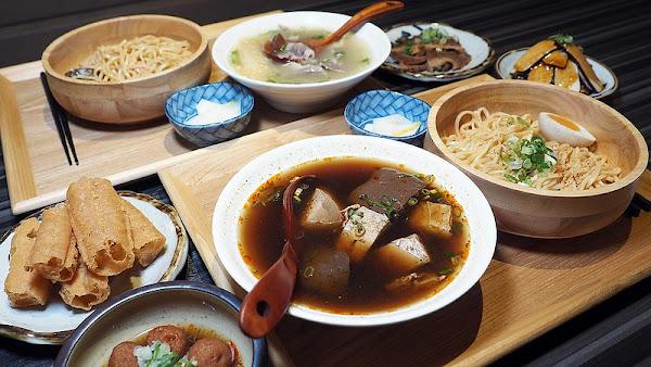 川師傅功夫麵舖(光華家樂福店)│四川麻辣,老火煲湯,加上Q彈有勁功夫麵