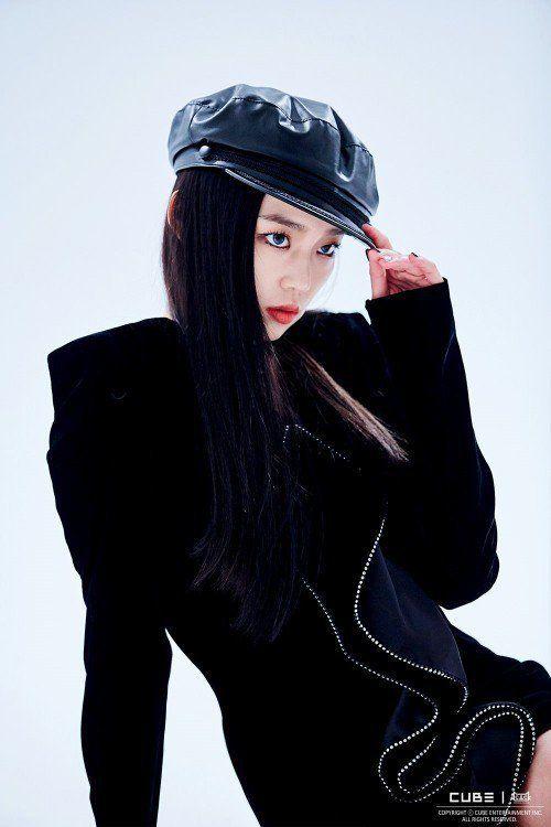yeeun black 1