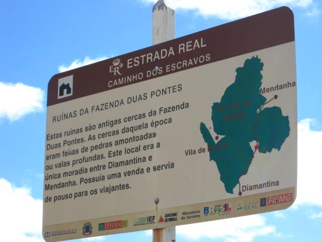 Photo: Placa nas ruínas da Fazenda Duas Pontes