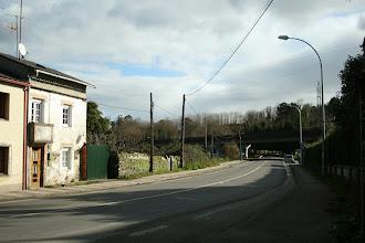 Photo: Bergondo, lugar de Miodelo. Vista da estrada AC-161, dirección Betanzos (2012).