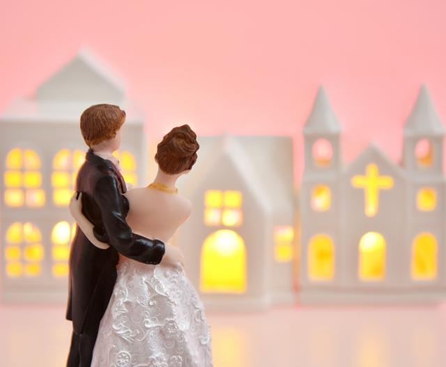 ウェディングケーキの値段の相場を知って、こだわりの結婚式を!