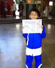 Photo: gracias Joaquín! por ofrecerte a ordenar las banderas!  para despedirse quiso sacarse una foto con las  banderas del mundo