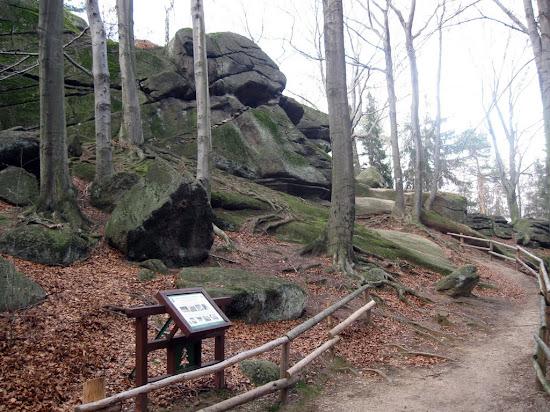 wzgórze Chojnik - zbójeckie skały