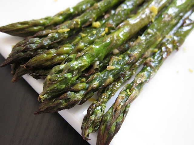 Lemon Garlic Roasted Asparagus Recipe