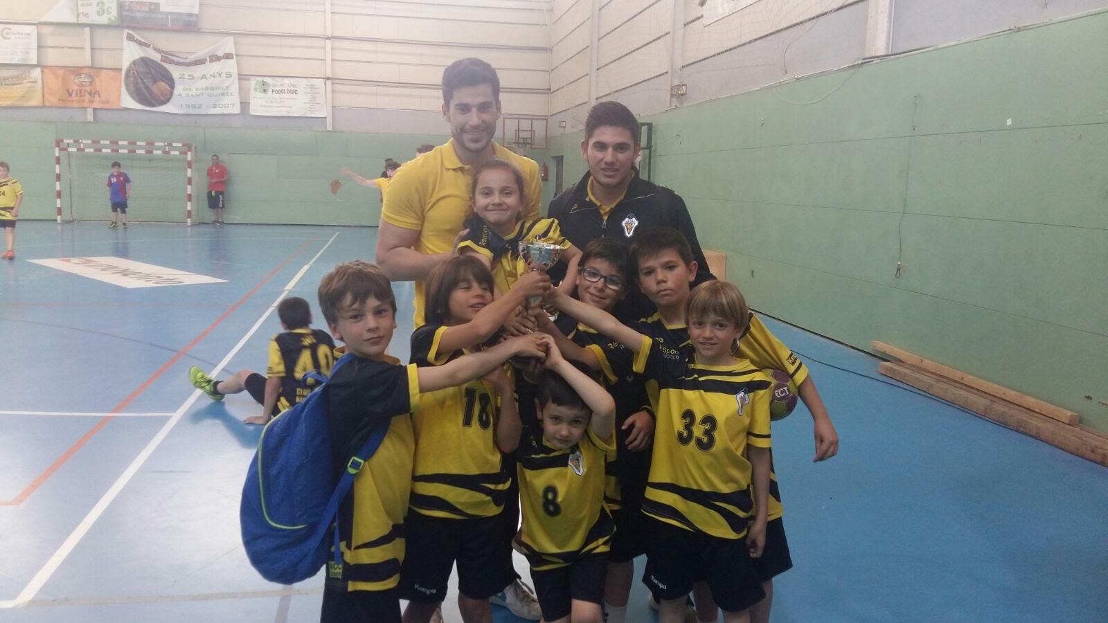 Gaudint de l'handbol a Sant Quirze