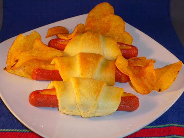 Weiners And Cheese Cresents Recipe