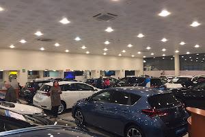Gran éxito de la jornada de ventas de Toyota Alborán Motor