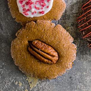 Pecan-Gingerbread Cookie Thins