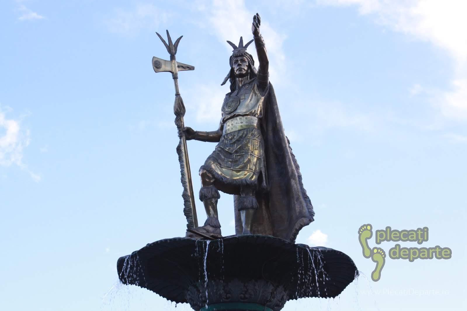 statuia regelui quechuan Pachakuti, cel care a devenit primul imparat al Imperiului Incas, in Plaza de Armas, Cusco, Peru
