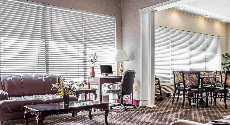 Econo Lodge Inn & Suites Columbia