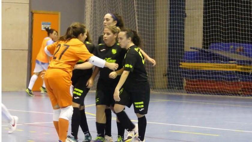 Las jugadoras ejidenses celebrando un gol.