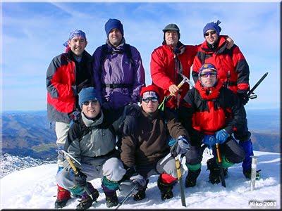 Auñamendi (Anie) mendiaren gailurra 2.507 m. - 2003ko abenduaren 13an