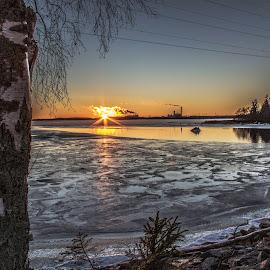 Thin ice on the lake. by Torolf Vikars - Uncategorized All Uncategorized