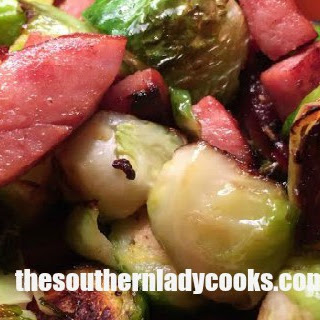 SMOKED SAUSAGE AND BRUSSELS SPROUTS – LIGHT