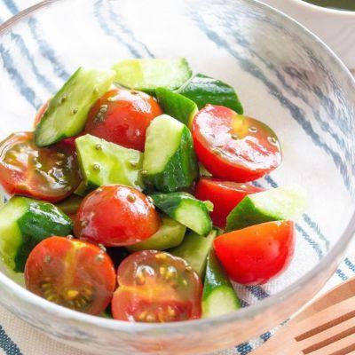 トマトときゅうりのカクテルサラダ VI-DAドレッシングの作り方④