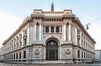 Photo: 1 - Facciata monumentale su via Cordusio e prospettiva su via Armorari e via Bocchetto