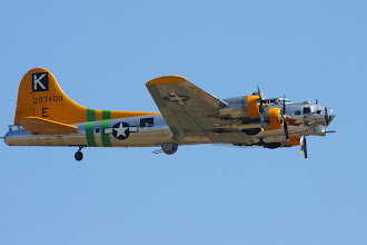 Photo: Boeing B-17G Flying Fortress