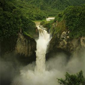 San Rafael waterfall by Tadas Jucys - Landscapes Waterscapes ( huge, rafael, mountain, san, ecuador, green, falls, waterfall, forest, flow, panorama, river,  )