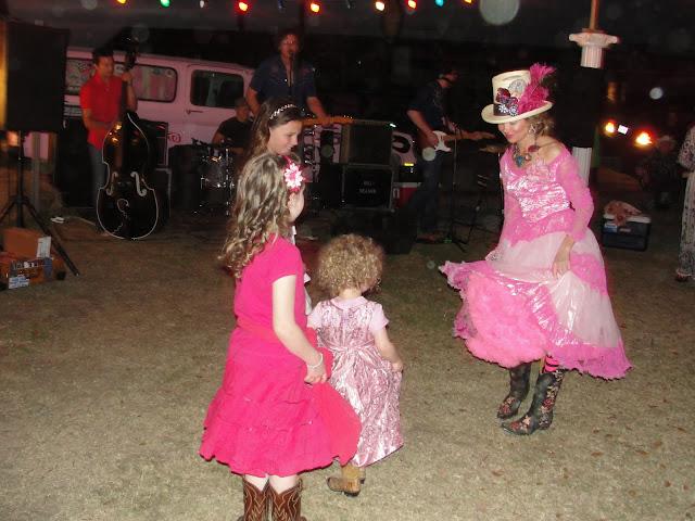 prom dancin
