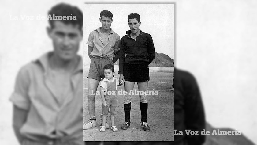 'El Carlos' era todo un personaje en el poblado minero de Rodalquilar. Era el portero del equipo que montó la empresa Adaro.