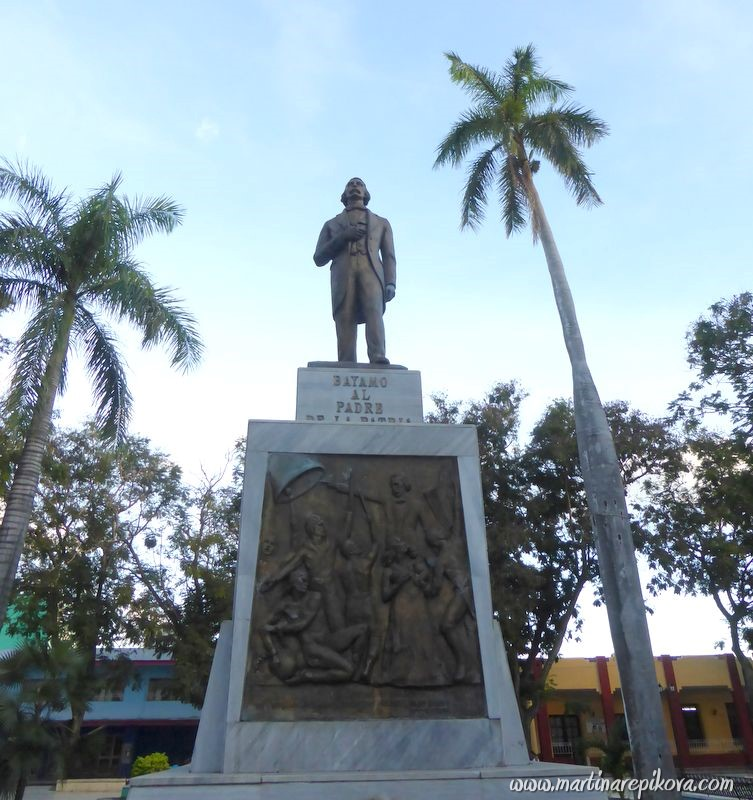 Statue in Bayamo, Cuba
