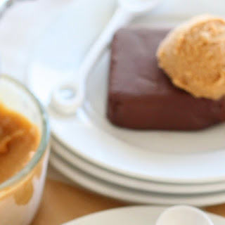 Individual No-bake Chocolate Cakes
