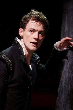 Hamlet-Alan-Mahon-as-Hamlet.-Photo-by-Mark-Douet.-294x442.jpg
