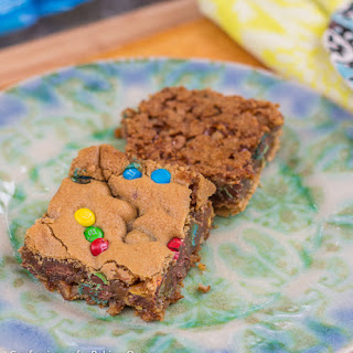 Pretzel Crusted M&M Blondies