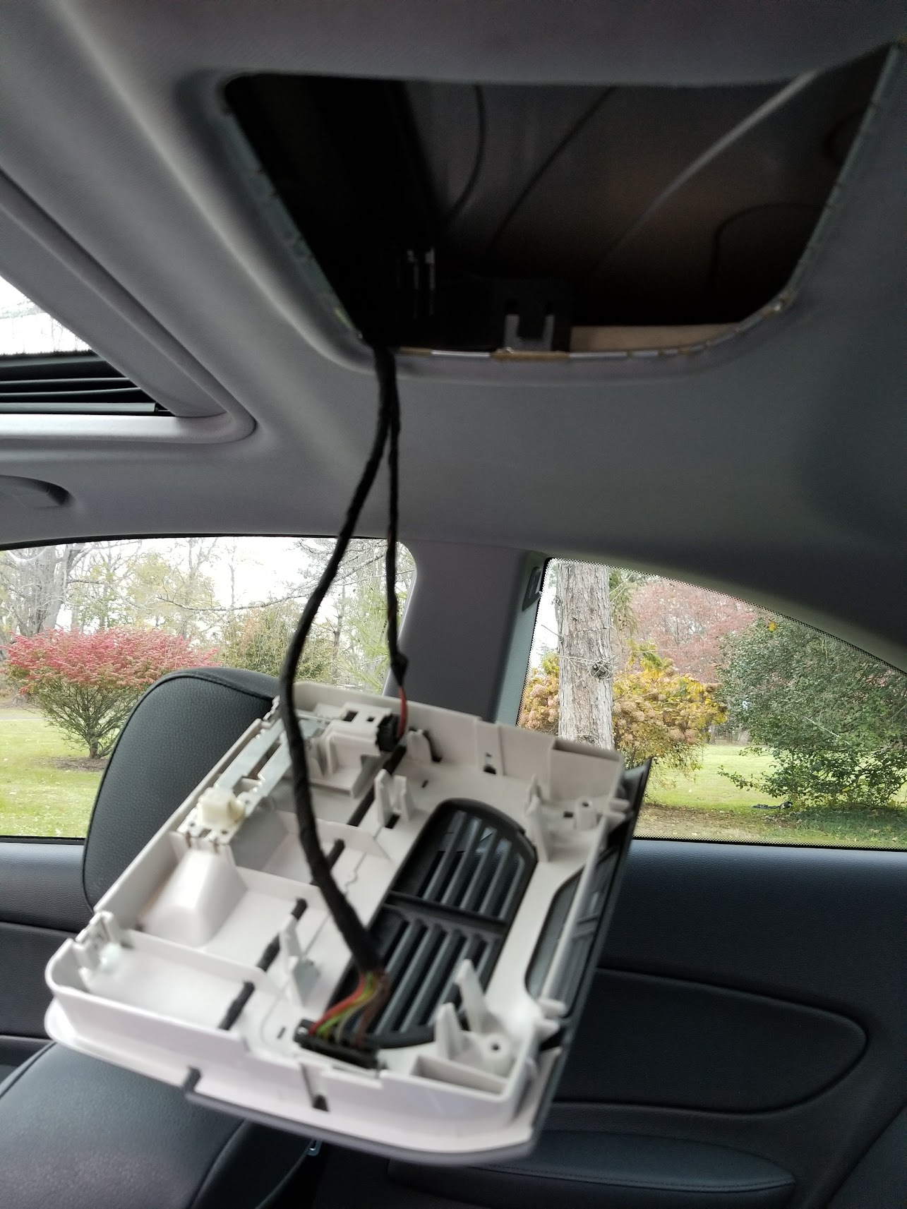 Rear Interior Dome Light Retrofit Help Power To The And Comes On Wiring From Existing Is Split Between Two Cables It Looks Like One Cable For Nonexistent Alarm System