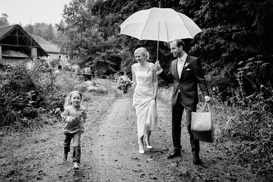 Wedding photographer Marius Barbulescu (mariusbarbulesc). Photo of 02.04.2016