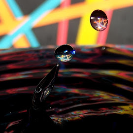 lIIlIoL1 by John Geddes - Abstract Water Drops & Splashes
