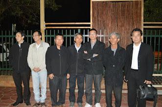 Photo: Từ trái qua: anh Linh, anh Thức, anh Kiệt, anh Hiển, anh Mỹ, thầy Đinh, anh Phước.