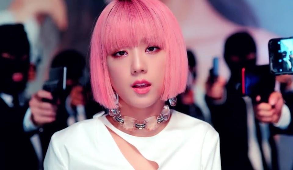 jisoo-pink-hair