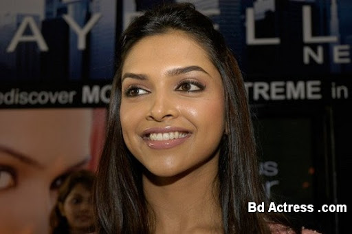 Bollywood Actress Deepika Padukone Photo-03
