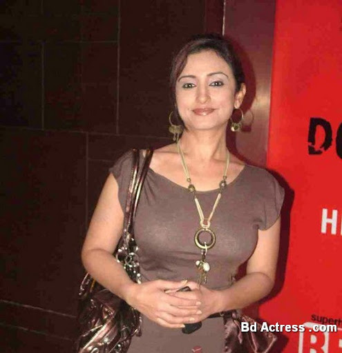 Bollywood Actress Divya Dutta Photo-02