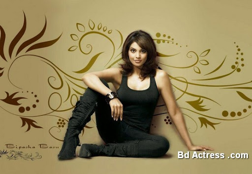 Bollywood Actress Bipasha Basu Photo-03
