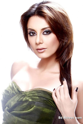 Bollywood Actress Minissha Lamba Photo-03