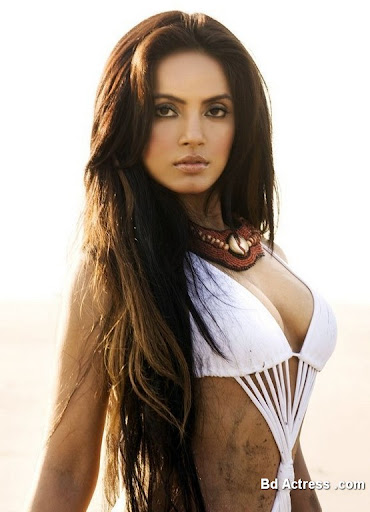 Bollywood Actress Neetu Chandra Photo-01