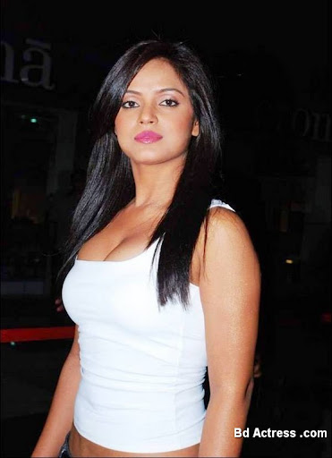 Bollywood Actress Neetu Chandra Photo-03