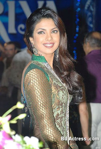 Bollywood Actress Priyanka Chopra Photo-03
