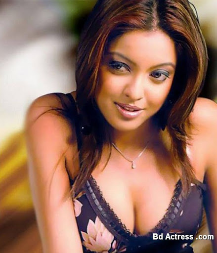 Bollywood Actress Tanushree Dutta Photo-01