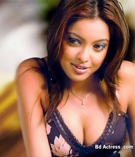 Bollywood Actress Tanushree Dutta Photo-01