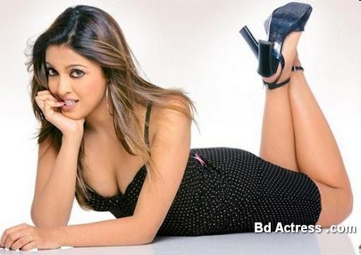 Bollywood Actress Tanushree Dutta Photo-03