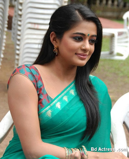 South Indian Actress Priyamani Photo-02