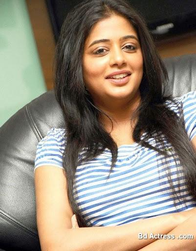 South Indian Actress Priyamani Photo-03